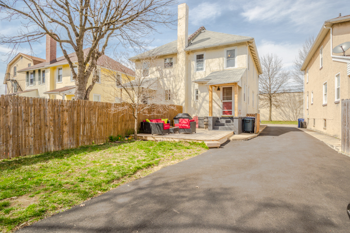 118 Rosemary Ave Ambler yard